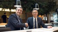 Luca Crisciotti, CEO von DNV GL - Business Assurance (links) und Sunny Lu, CEO von VeChain