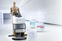 Mehr als sauber: Scheuersaugmaschinen von Hako lassen sich auch für die sichere Desinfektion/Sanitation von Oberflächen einsetzen.