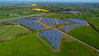 Hanwha Q CELLS schließt Finanzierung für Solarprojekt Tower Hill Farms mit 8,1 MW in UK ab