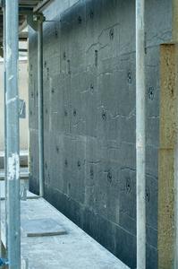 Korrekt befestigte Dämmplatten ohne Aufklaffen der Fugen genügen höchsten Ansprüchen an den Passivhausstandard. (Foto: Ejot)