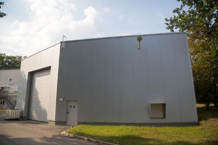 Das Gebäude wurde von der Serviceabteilung der RUAG für die Anlage geplant und gebaut.