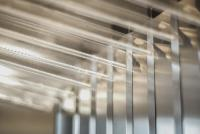 Freitragende Breiten, unbegrenzter Länge und frei wählbar Faltenbreiten - Arno Arnold bietet flexiblen und passgenauen Rundum-Schutz für Maschinen