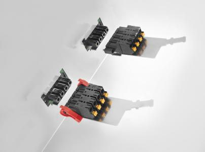 Weidmüller OMNIMATE® Power: The OMNIMATE® Power SLF 7.62HP SH male connectors with pluggable shield connecting plate guarantee high levels of EMC safety. (Left: Version with lock & release lever. Right: Version with screw flange)