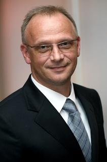 Frithjof Walk, AIM-Vorstandsvorsitzender