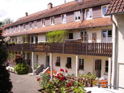 Der Philadelphia Verein e. V. betreibt Einrichtungen an verschiedenen Standorten im Großraum Stuttgart, u.a. ein Kinderheim.