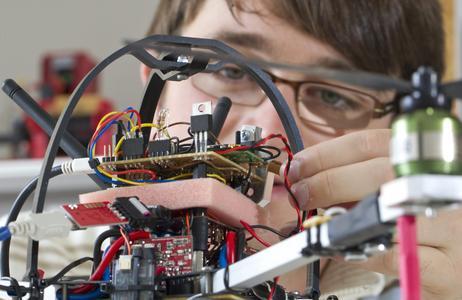 TU Ilmenau: Schülerworkshop für kleine Informatiker und Kybernetiker © TU Ilmenau