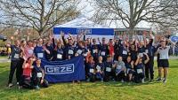 Eines der GEZE Teamsbeim Ditzinger Lebenslauf: Laufen wie es beliebt mit der ganzen Familie – für Spenden, um die Therapiemöglichkeiten fürMukoviszidose-Patienten zu verbessern und so ihre Lebenserwartung zu erhöhen / Foto: GEZE GmbH