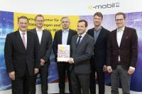 v.l.n.r.: Franz Loogen (e-mobil BW), Karsten Hager (ISME), Dr. Reha Tözun (Bridging IT), Christan Alexander Mayer (Kanzlei Noerr), Prof. Dr. Wolfgang Rid (ISME), Michael Ruprecht (e-mobil BW)