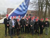 Stets gut behütet war die US-Leichtbau-Delegation bei ihrem Gegenbesuch in Deutschland, hier bei der Werksbesichtigung von Airbus Stade / © CU Nord
