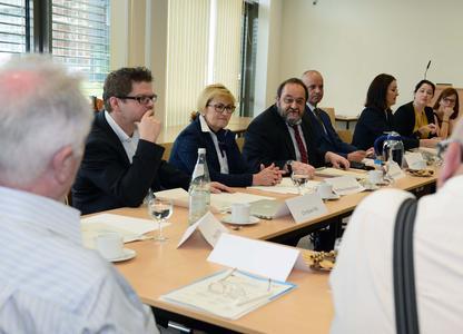 Bildung ist wichtiges Thema, sagt Prof. Dr. Werner Reinhart, Präsident der Europauniversität. Foto: Gatermann