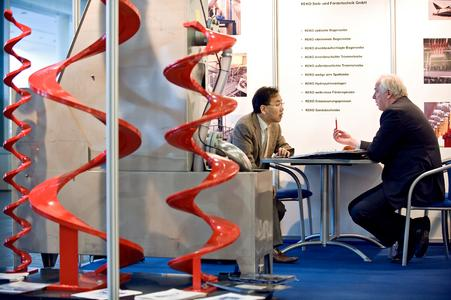 """Die """"waste to energy"""" Fachmesse und Konferenz für Abfallverwertung, Energierückgewinnung und Materialrecycling am 5. und 6. Mai 2010 in der Messe Bremen nimmt das Spannungsfeld """"Sekundärrohstoffe und Klimaschutz"""" in den Fokus"""