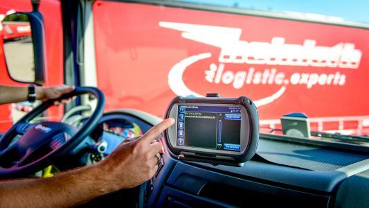 Die Spedition Heinloth hat 170 Fahrzeuge mit Trimbles fest eingebauter Einheit Truck4U sowie der mobilen On-Board-Unit FleetXPS ausgestattet. (Foto: Trimble)