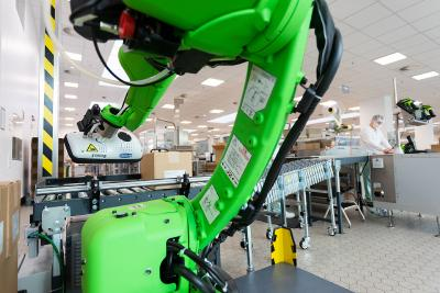 SKDK GmbH realisiert ein kollaboratives Robotersystem bei Takeda