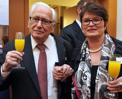 Conrad Naber auf dem Ehrensenatoren-Essen der Hochschule Bremen am 1. März 2012 neben Rektorin Prof. Dr. Karin Luckey / Foto: Michael Bahlo