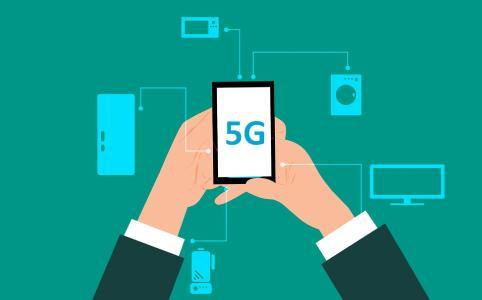 Das neue 5G-Netz revolutioniert den Mobilfunk und macht eine Datenübertragung in Echtzeit möglich. Auch im Logistikbereich eröffnen sich durch die 5G-Technologie viele neue Chancen