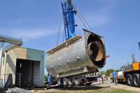 Im Heizkraftwerk Kamenz wird der alte ca. 80 t schwere Braunkohlebrennstaubkessel ausgebaut (Bild: YADOS GmbH)