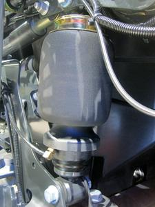 The sleeve-type rolling lobe air spring from ContiTech Air Spring Systems plays a leading role – here, in the Mercedes Axor, Photo: ContiTech