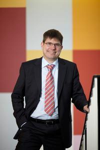 Georg Mackenbrock ist Geschäftsführer beim Deutschen Medizinrechenzentrum