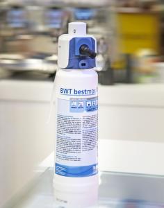 Der neue Filterkopf BWT besthead FLEX verfügt über die flexibelste Anschlusslösung weltweit /Foto: BWT water+more