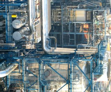 Vacuum system in a petrochemical refinery
