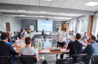 Gruppendiskussion über neue Technologien in der Produktion