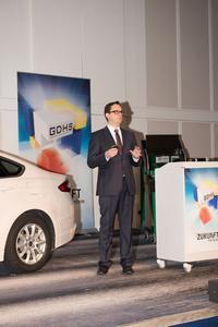 Geschäftsführer Dr. Guido Hüffer hob die Bedeutung des Autoservice für die GDHS hervor.