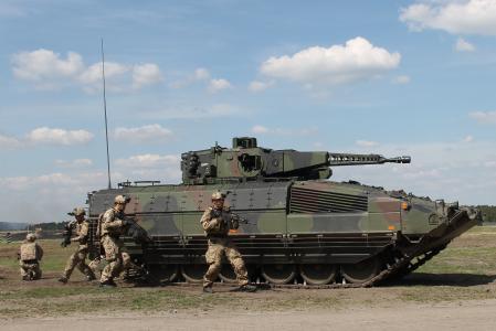2016 Rheinmetall Eurosatory Puma und IdZ ES