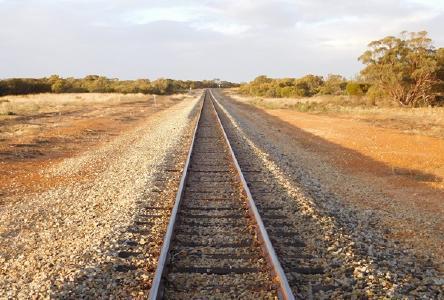 Gleise auf dem Projekt von FYI; Foto: FYI Resources