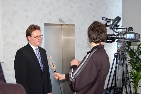 Michael Gamm, Leiter des STIEBEL-ELTRON-Vertriebszentrums Frankfurt, war gefragter Gesprächspartner auch bei Radio- und TV-Medienvertretern