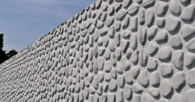 Dekorative Betonwände mit GEOPANEL ART, der Schalung-Matrize aus ABS-Kunststoff für Sichtmauerwerke.