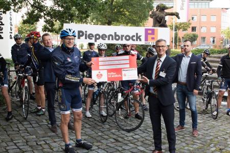 Piepenbrock spendet 2500 Euro für die Kinderkrebshilfe