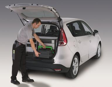 Tausch von unvollständigen Koffern mit vollständigen, für kurze Standzeiten des Servicefahrzeugs