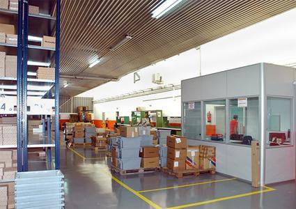 Auf rund 1.500 qm integriert das neue Werk in Barcelona eine Logistikplattform, Design und Bau von Prototypen sowie Räume für Konstruktion, Produktionsplanung, Lieferantenkoordination, Konferenzen, Schulungen und Qualitätskontrolle