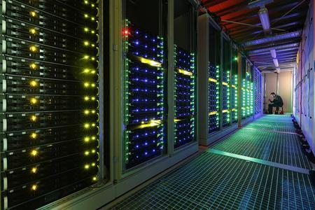 """Supercomputer """"L-CSC"""" der GSI Helmholtzzentrum für Schwerionenforschung GmbH"""