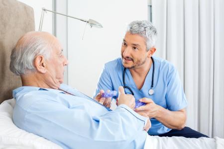 Akutschmerztherapie (Foto: Tyler Olson/Shutterstock)