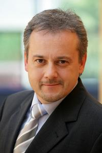 Bringt die Automotive-Experten von DTM mit nach Stuttgart: Uwe Kutschenreiter, Vorstand der oxaion ag.