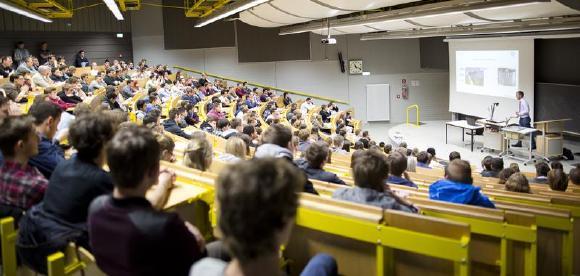 Am Studien-Informationstag können Schüler unter anderem in Vorlesungen hineinschnuppern, Foto: TU Kaiserslautern