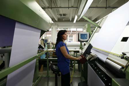 Unter www.oeko-tex.com/sustainability können sich interessierte Unternehmen für die Auszeichnung bewerben