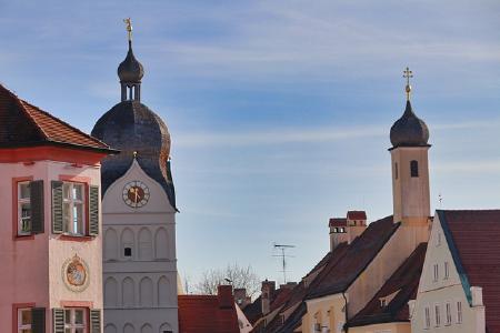 Der Schlüsseldienst München - Herbert Pichelmaier ist nun auch in Erding im Einsatz und bietet dort zerstörungsfreie Türöffnungen, Schlossaustausche und Montagen von Hartwaren jeglicher Art an.