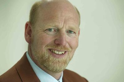 """cormeta-Vorstand Holger Behrens weiß, wie wichtig technologischer Fortschritt für die Kunden ist: """"Wir können einerseits auf die starke Entwicklungskompetenz der SAP bauen, andererseits machen wir diese neuen Technologien wie SAP HANA, mobile Anwendungen, SAP BusinessObjects oder Product Lifecycle Management unseren Kunden in ihren Branchenlösungen verfügbar."""""""