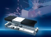 Im Geschäftsbereich Value Added Products (VAP) realisierte Rodriguez einen maßgeschneiderten Schienenführungstisch für eine Schweißanlage / © sorapolujjin – fotolia.com | Rodriguez