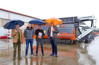 Conclusion of contract between ARJES GmbH and HWH Machines GmbH (from left to right Rainer-Maria Kugler, Chris Erbe, Juri Heidt, Thomas Hayn)