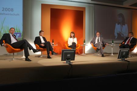 Die Podiumsdiskussion des Wirtschaftstages 2008 in Potsdam leitete Brigitte Bastgen, Sprecherin der heute-Nachrichten im ZDF.