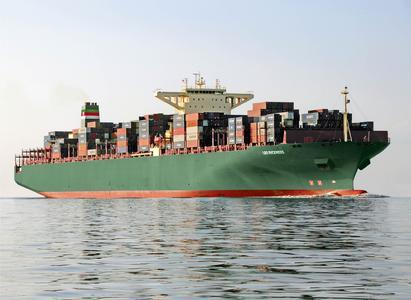 Brennstofffilter von MAHLE Industriefiltration haben bei den Ozeanriesen eine Schlüsselfunktion für die Versorgung mit Treibstoff. Hydraulik von Bott sorgt für zuverlässige Funktion der automatischen Filterabreinigung. Bild: Rickmers
