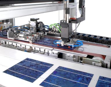 SOMONT RAPID: Präzises Ablegen von Solarzellen