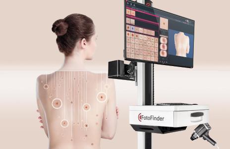 Der FotoFinder bodystudio ATBM master verbindet Ganzkörperkartografie mit digitaler Dermatoskopie für eine bestmögliche Hautkrebsvorsorge   ©2020 FotoFinder Systems GmbH