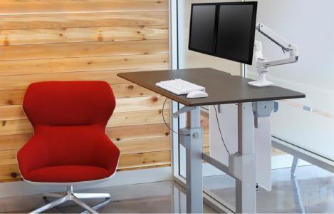 Ergotron-Workfit-DL-Steh-Sitz-Tisch-Anwendung