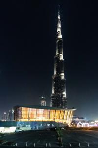 """Dubai Opera: Automatische Türlösungen von GEZE in """"maritimer"""" Architektur / Fotos: Nicolas Tohme für GEZE GmbH"""