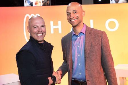 Freuen sich über die enge Kooperation (von links): David Long, Mitgründer und Geschäftsführer von Orangetheory Fitness, und Jaime Irick, Präsident von Life Fitness
