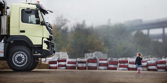 In dem nächsten Live-Test von Volvo Trucks wird der Volvo FMX einem der härtesten Tests aller Zeiten unterzogen